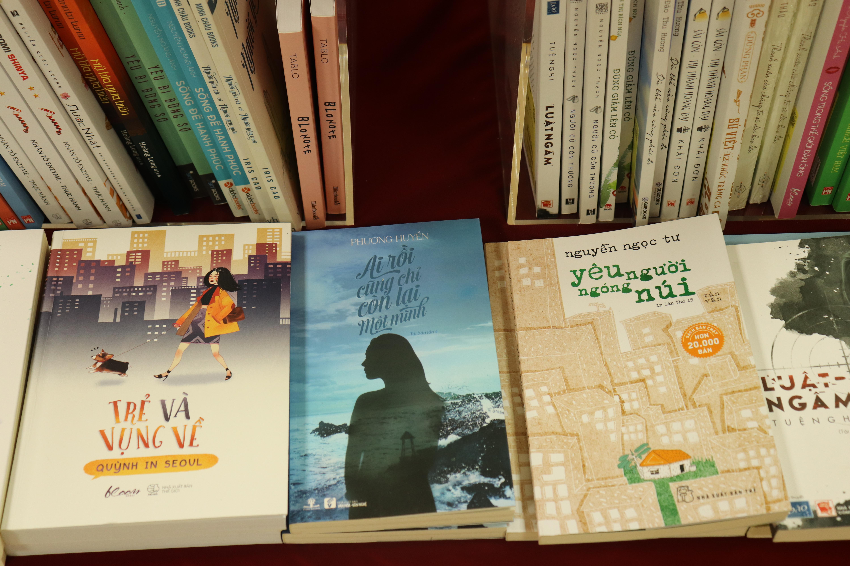 Sách tiếng Việt bán tại Nhật